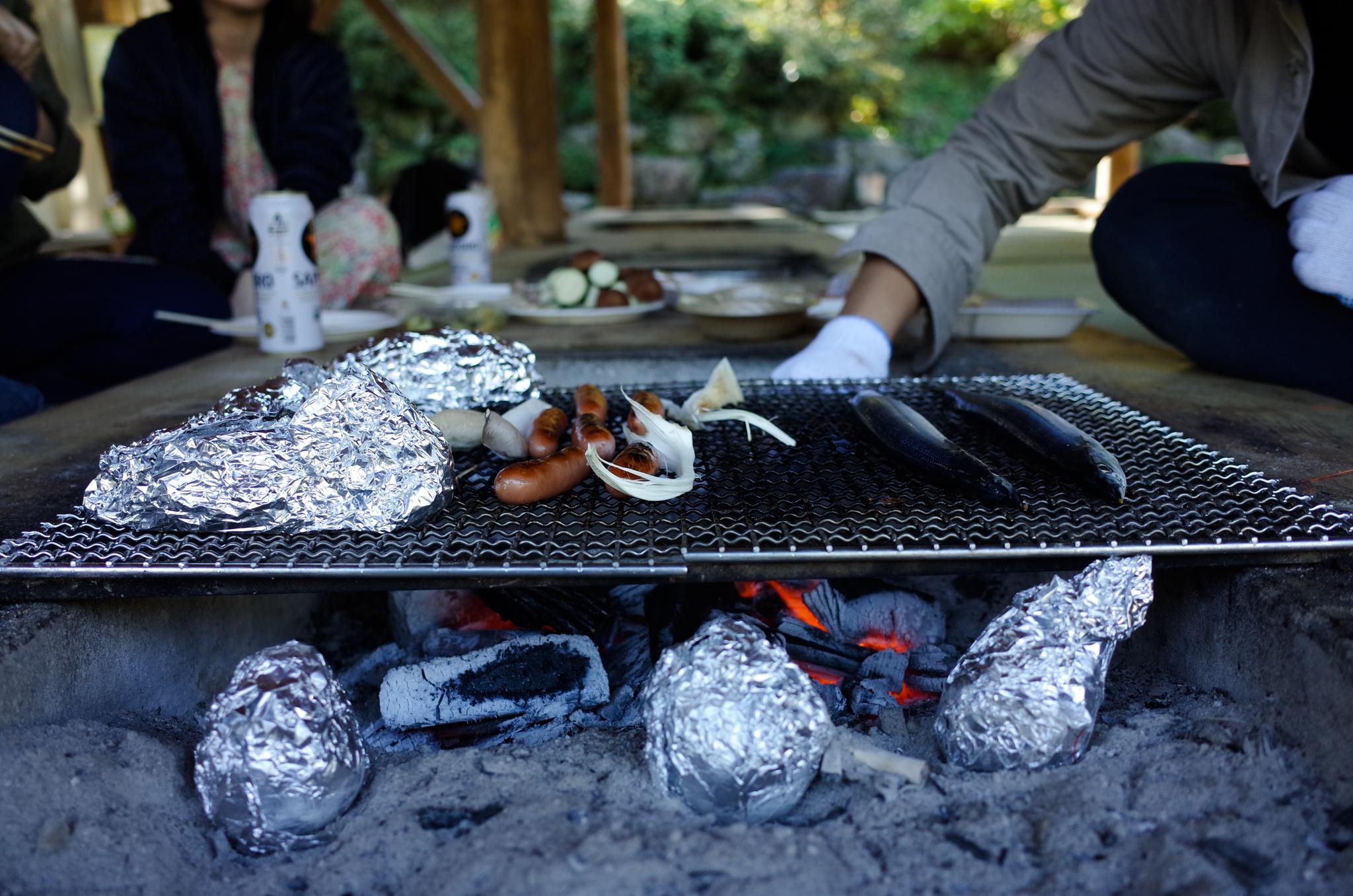 安納芋(下のホイル)と松茸とサンマで完全に秋