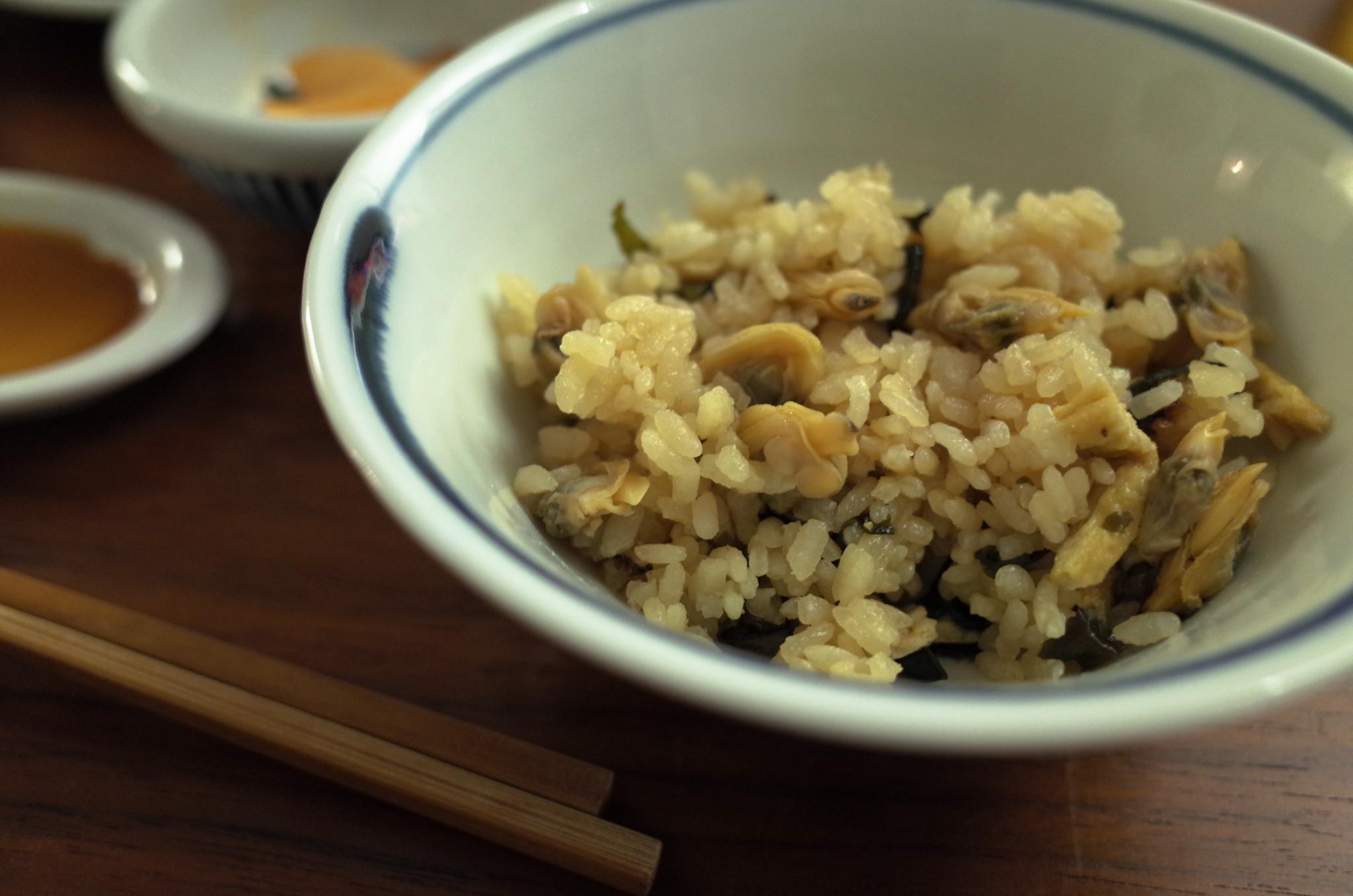 例のアサリご飯。貝だらけ。